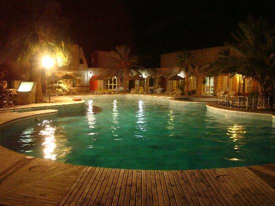 Caravanserail Hotel: piscina