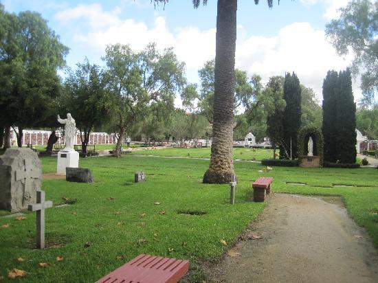 Морское побережье, Калифорния: cemetery
