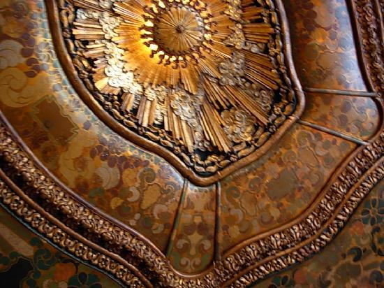 El Capitan Theatre: ceiling in the entry hall