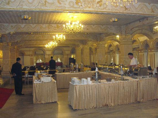 โรงแรมแชงเกอร์: Shanker Hotel's Kailash Restaurant