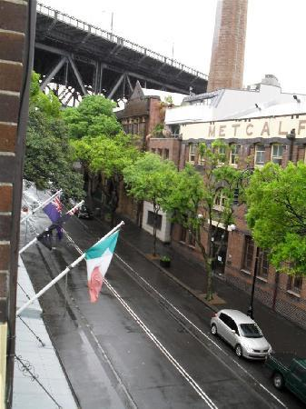 The Mercantile Hotel: View outside window - towards harbour bridge