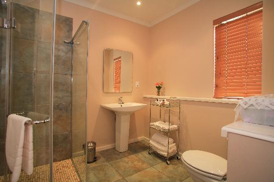 Linkside2 Guest house: Bathroom
