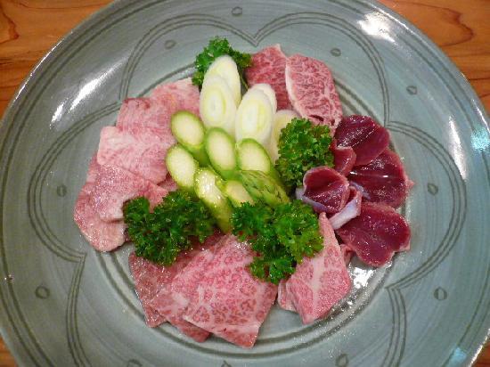 Yakiniku Daimon: お肉の盛り合わせ