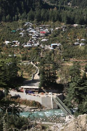 Sangla, อินเดีย: Batseri Village - right next to the Camp