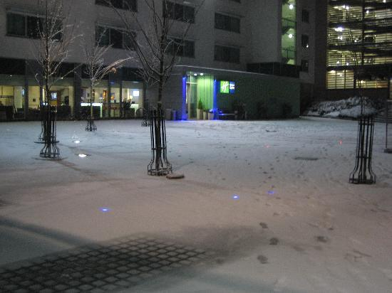 Holiday Inn Express Newcastle City Centre: Light dustinf of snow prior to the feet of snow now there