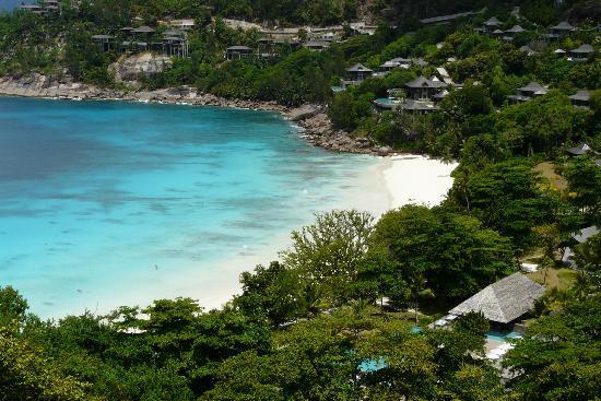 Four Seasons Resort Seychelles: Fine beach