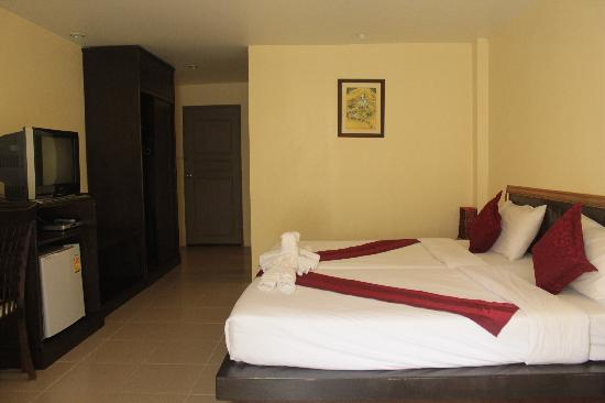 Pulaoon House: Room with AC,TV and Minibar