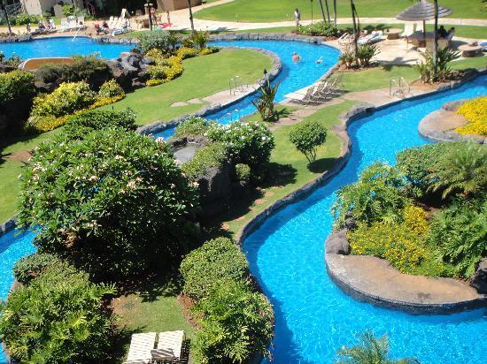 Waipouli Beach Resort: pool area
