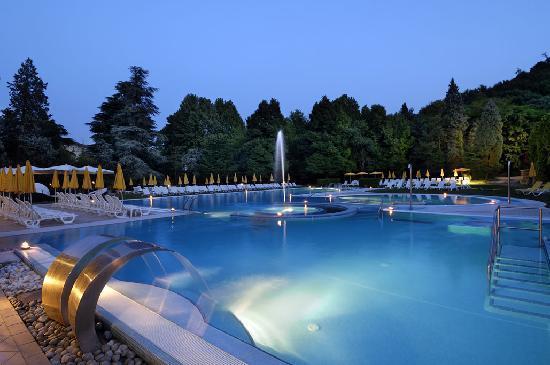 Piscine chalet foto di hotel terme preistoriche - Piscine termali abano aperte al pubblico ...