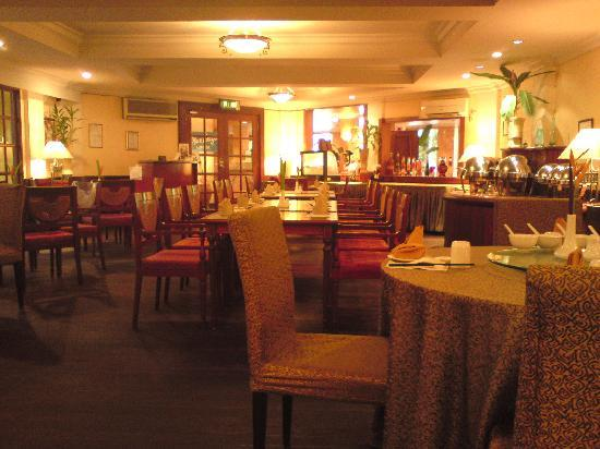 Tiara Labuan Hotel: Restaurant
