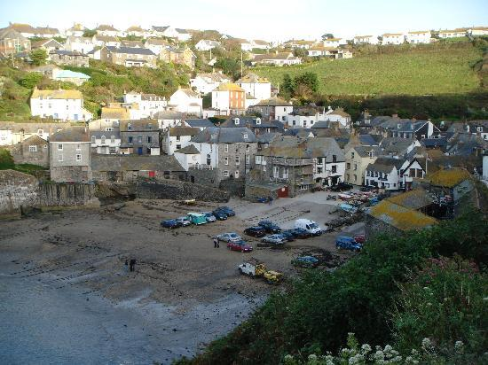 Port Gaverne Hotel: Port Isaac Harbour