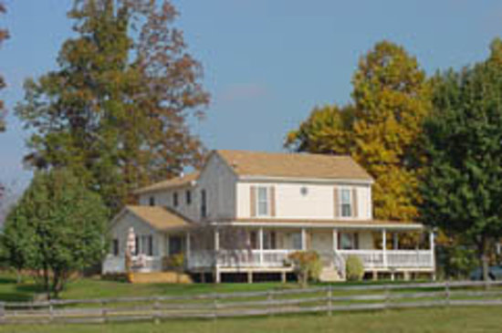 Cornerstone Farm: Inn at the Farm House