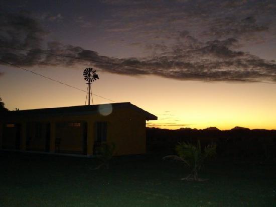 Hotel Paraje del Diria: Getting Dark