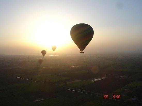 Magic Horizon Hot Air Balloons: Hot Air Balloon at Sunset