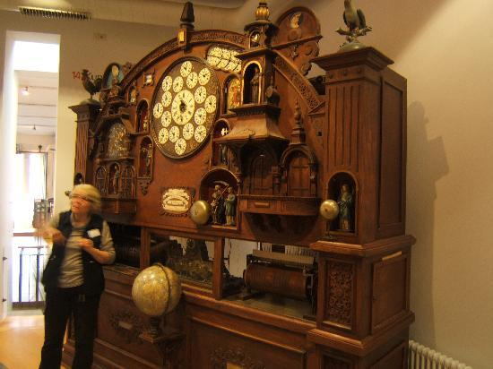 Фуртванген, Германия: gigantic mechanical clock and calender