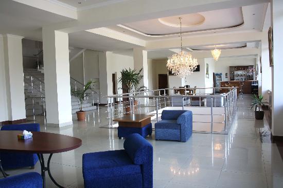 Olympia Hotel : /\