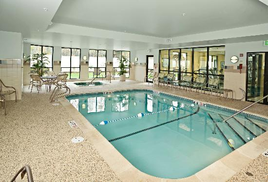 Courtyard Bangor: Indoor Pool and Spa