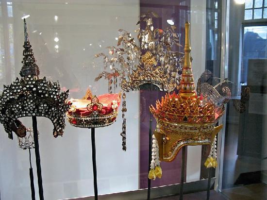 Diamant Museum Amsterdam : Crowns display