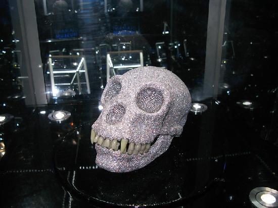 Diamant Museum Amsterdam : Diamond encrusted skull