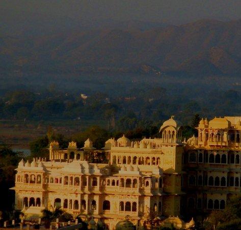 Chunda Palace Hotel: main building