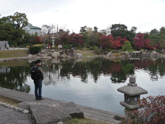 Tokugawa Art Museum : 庭園の中にある池