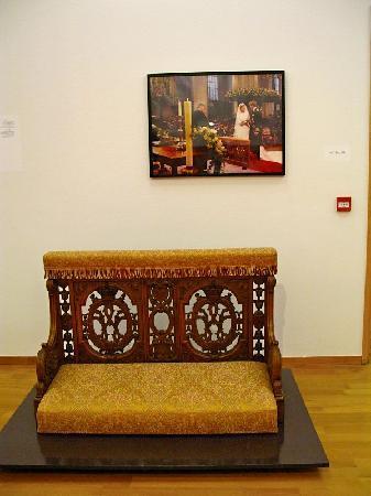 Gemeentemuseum Den Haag: Royal Furniture