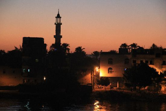 Nile River Valley, Egypt: The gathering darkness at kom ombo