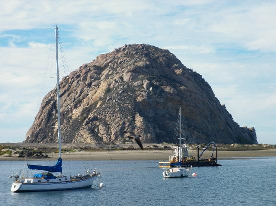 Masterpiece Hotel: Morro Rock seen from Fisherman's wharf