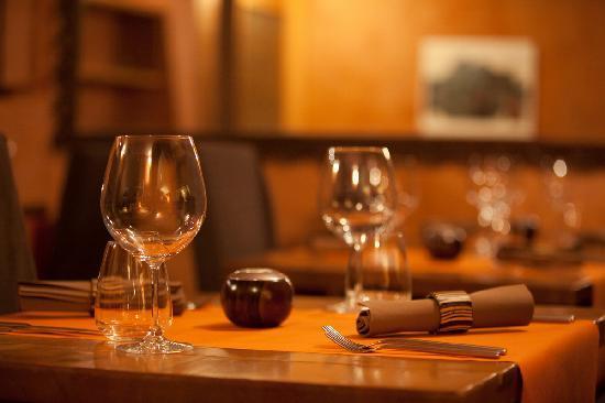 Nendaz, Zwitserland: Mise en place de la salle du restaurant