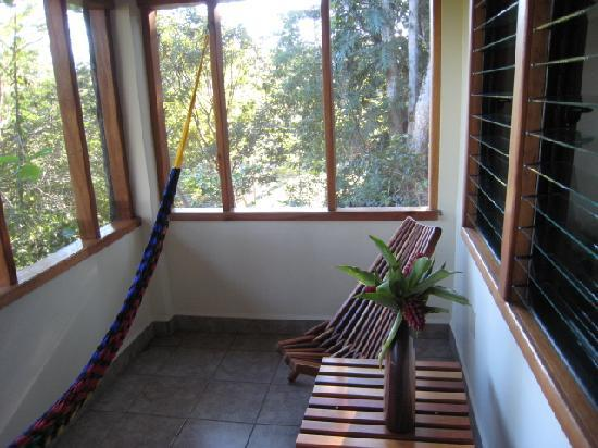 Mariposa Jungle Lodge: sitting area