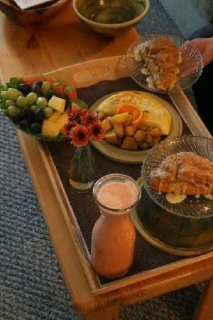 Pine River Ranch: One of the hearty breakfasts