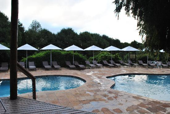 Crystal Springs Mountain Lodge: Heated pool area