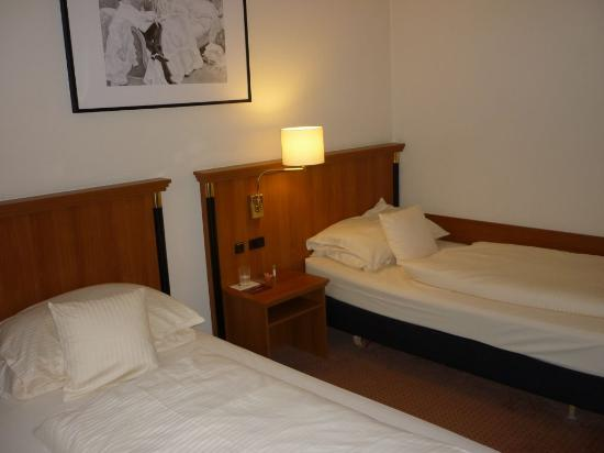 Hotel Mercure Muenchen Altstadt: Junior Suite - twin bedroom