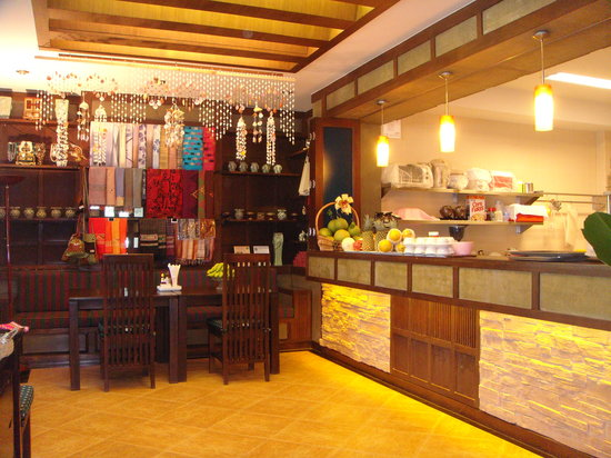 Lanta Mermaid Boutique House: B'fast kitchen & restaurant