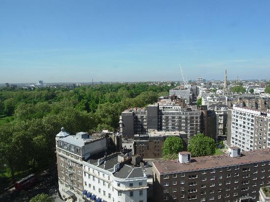 Lancaster London: 16階からのハイドパークも半分くらい見える眺望