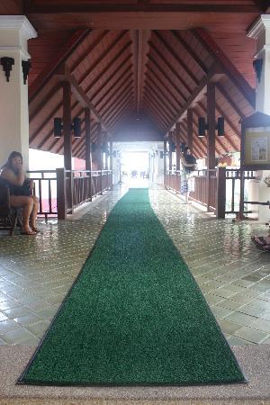 Aquamarine Resort & Villa: lobby