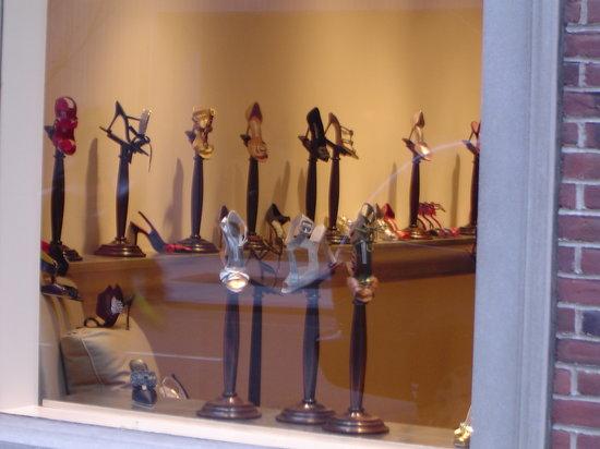 莫罗·伯拉尼克鞋店