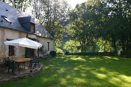La Source Loubetas: The Restored Barn - La Grange Restaurée