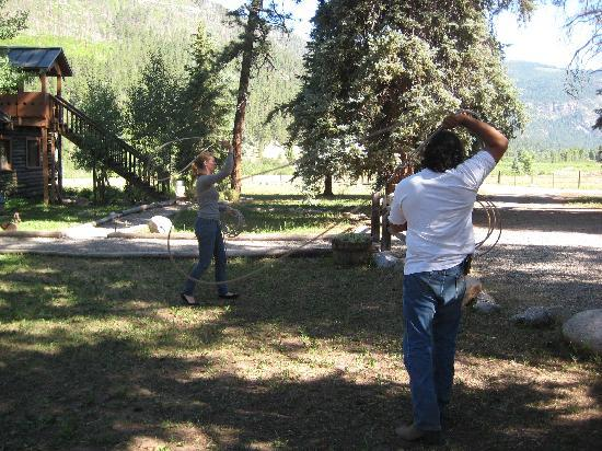 Wilderness Trails Ranch: Doing the rope