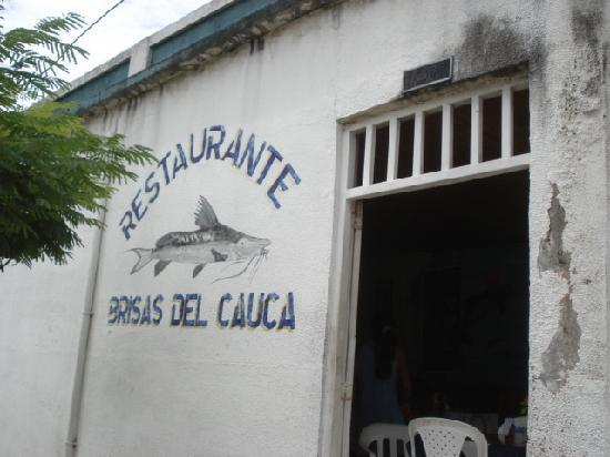 La Virginia: 川魚レストラン