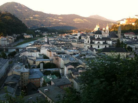 Johannes Schlößl der Pallottiner: Auf dem Mönchsberg über den Dächern von Salzburg