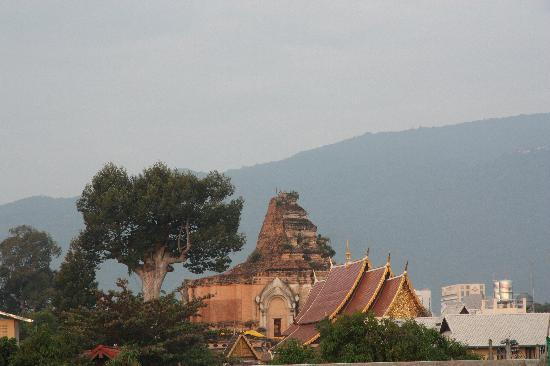 Na Inn Bed & Breakfast: View of Wat  Chedi Luang