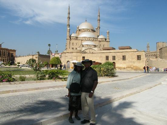 Casual Cairo detours: Us in front of the Alabaster Mosque