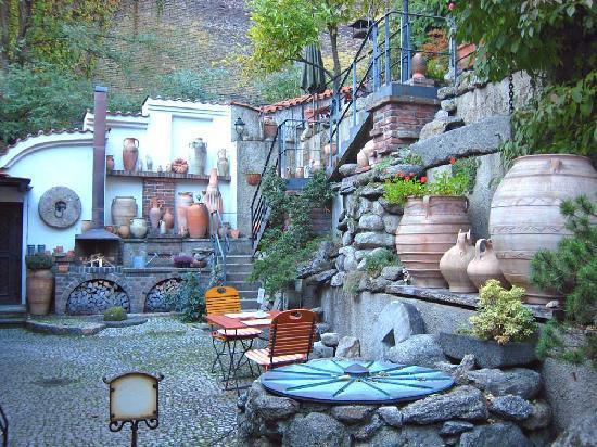 Romantik Hotel U Raka: Garden