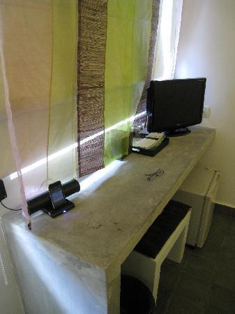 the 252: mesa escritorio