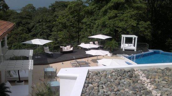 Shana By The Beach, Hotel Residence & Spa : pool area