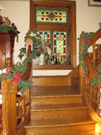 Beauclaire's Bed and Breakfast: Beautiful stained glass