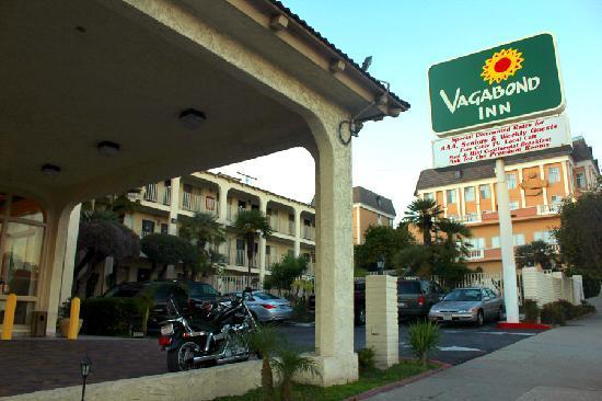 Vagabond Inn San Pedro: Lobby Entrance