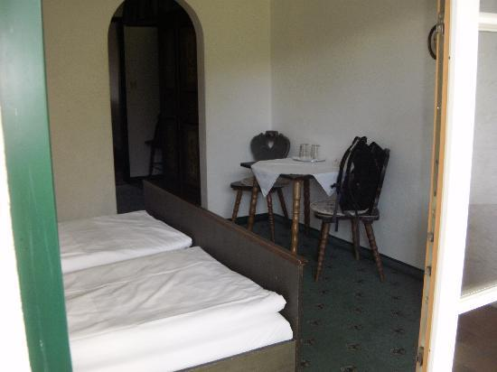 Boutique-Hotel am Essigmanngut: bedroom from other side