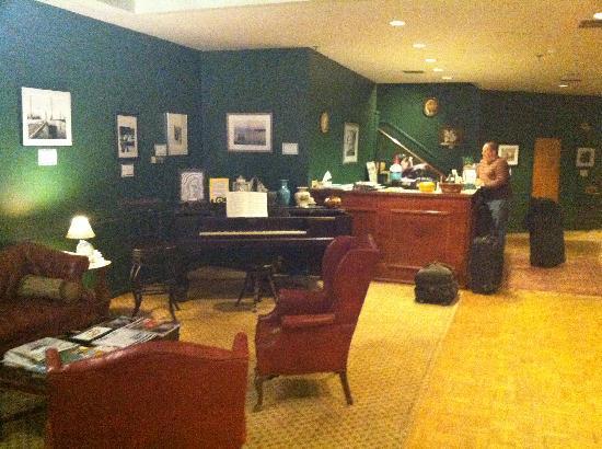 The Charles Inn: The lobby